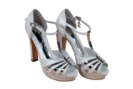 Zapatos de novia santino blanco y plata 4