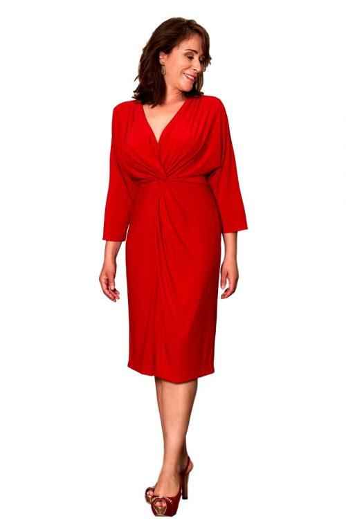 Vestido de fiesta rojo entrenovias escote pico